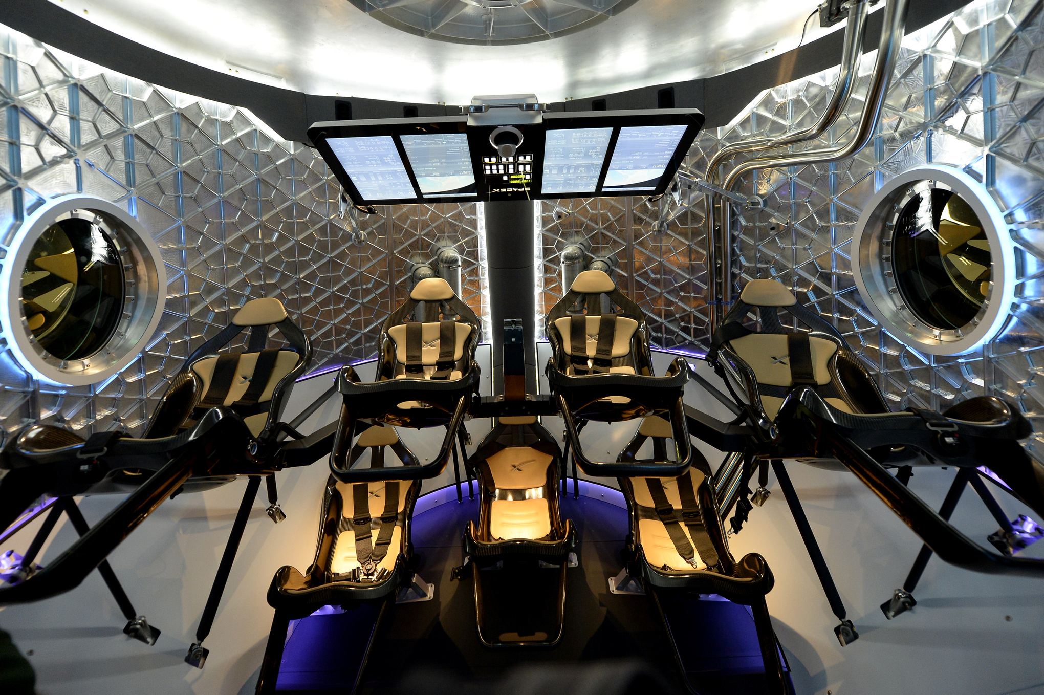 SpaceX's new Dragon capsule could be the future of space ...