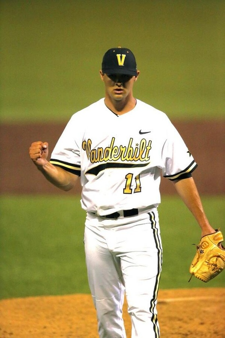 Beede_winning_nashville_regional_mvp_medium