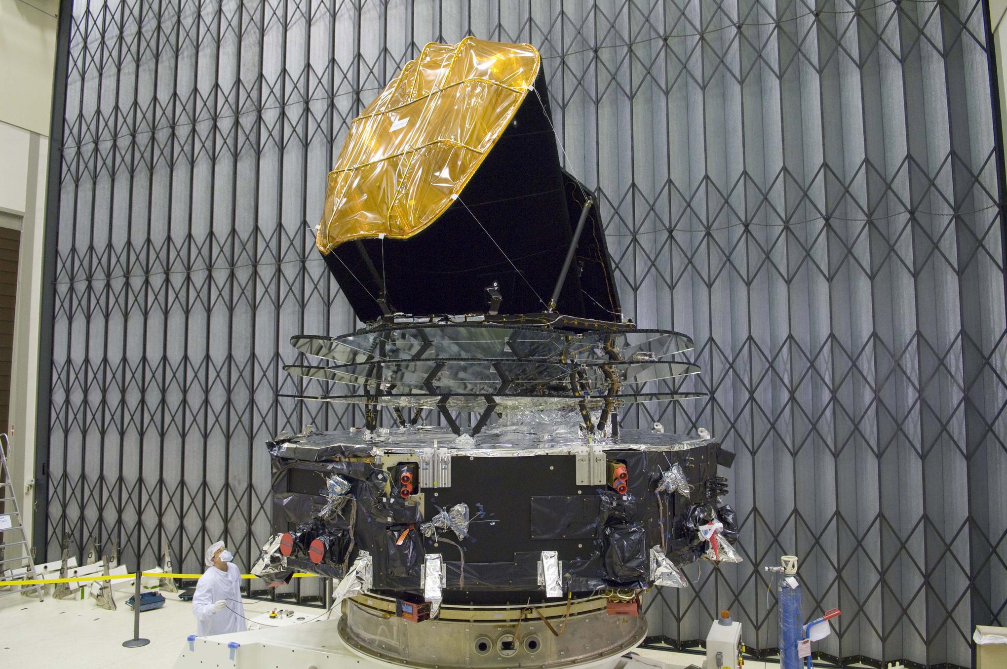 Planck-spacecraft__id_pavo2008-1349_h