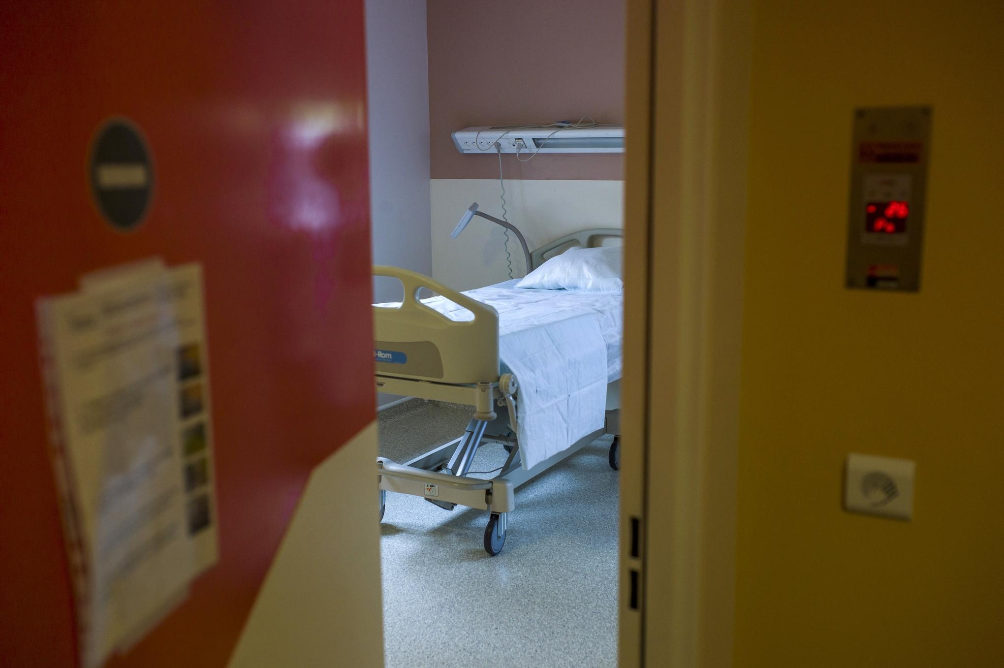 Bichat_hospital_ebola_room