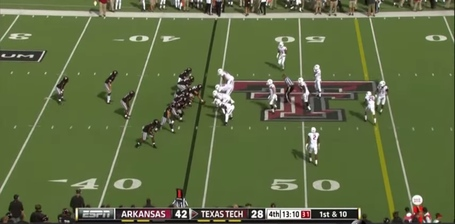 Tackle_over_toss_sweep-formation_medium