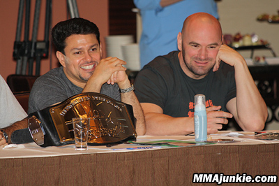 The-ultimate-fighter-13-joe-silva-dana-white
