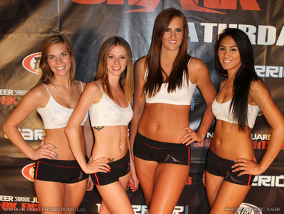 Shark_fights_ring_girls_pic