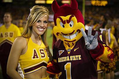 Arizona-state-cheerleader-sparky_1_