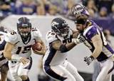 Th_20111204_vikings_allen_tebow_39