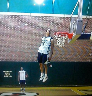 Gerald-green-head-over-rim