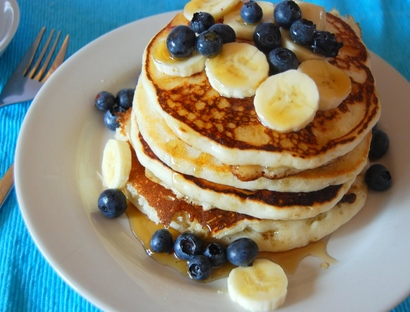 Blueberry_pancake_sunday_morning