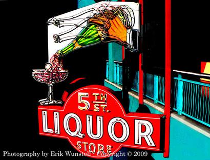Fifth_street_liquor_neon