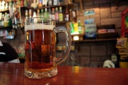 751021-mug-of-beer-on-the-bartop