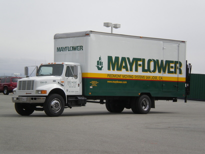 Mayflower_moving_truck_jpg