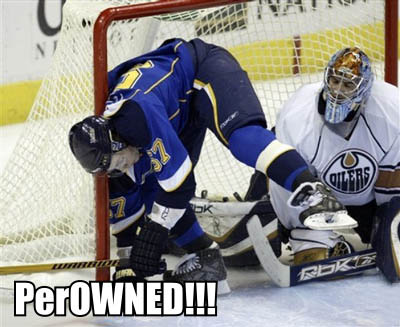 Blues_perron_in_net_oiler_goalie_perowned
