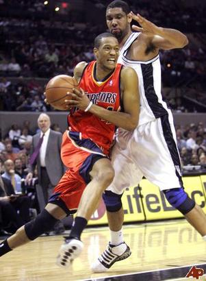 Anthony-randolph-tim-duncan-2009-3-24-23-0-53_medium