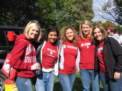 The_girls_at_indiana_homecoming_tailgating