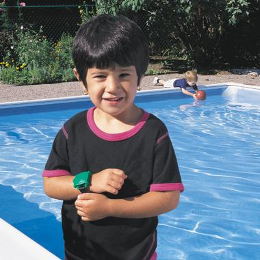 Child wearing Pool Alarm wristband