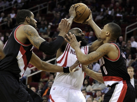 Trail_blazers_rockets_bas9_medium