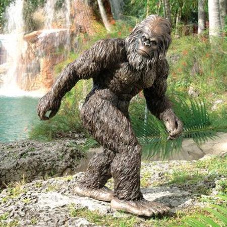 Garden sculpture of Bigfoot