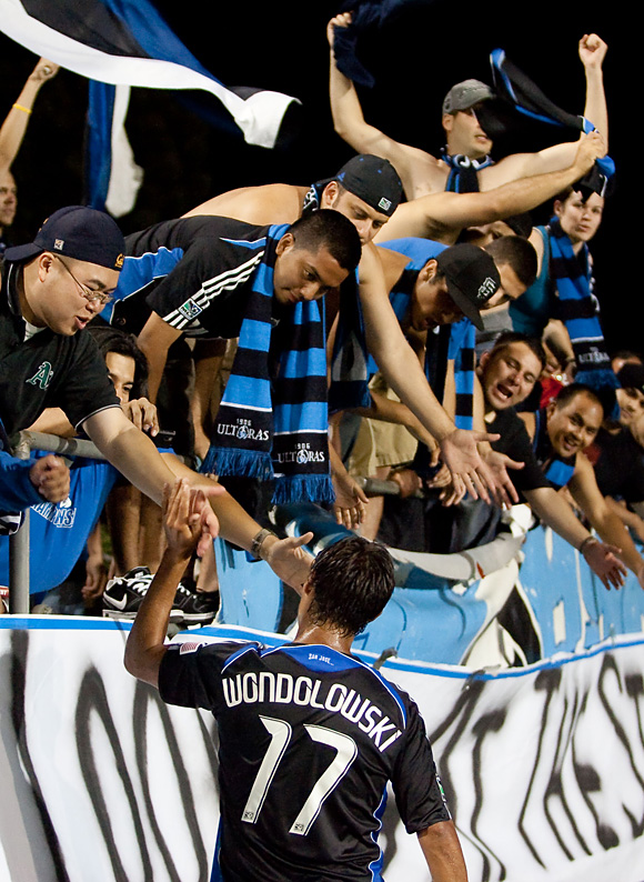 Danville native Chris Wondolowski has signed a new contract with San Jose. Photo: Kelley Cox, isiphotos.com