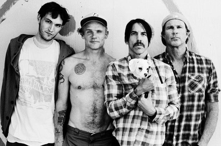 1158009-redhotchilipeppers2011-617_medium