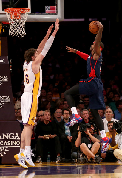 Josh_smith_detroit_pistons_v_los_angeles_lakers_zbms7qxzjknl_medium