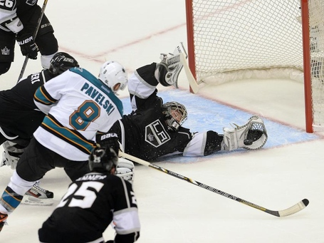 Jonathan-quick-joe-pavelski-nhl-stanley-cup-playoffs-san-jose-sharks-los-angeles-kings_medium