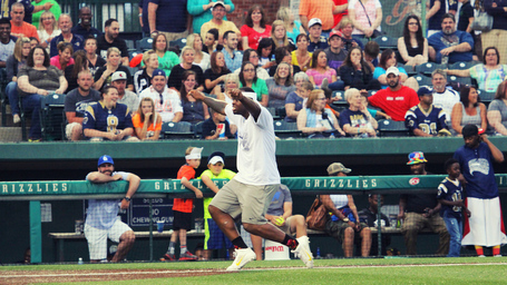 Ogletree_home_run_celebration_copy_medium