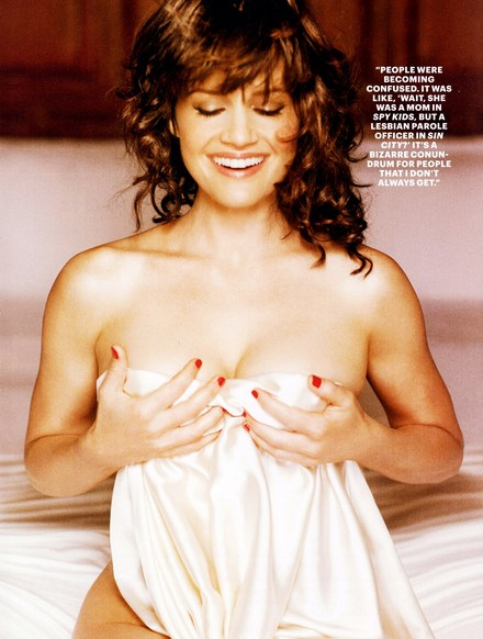 Carla-gugino-esquire10-4_medium
