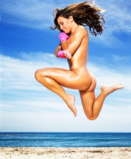 Mieshatate_bodyissue_2_medium