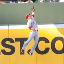 Mike-trout-catch