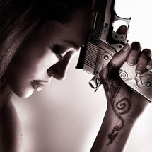 Girls-with-guns-01-102214-500-600