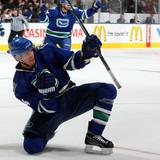 Vancouver_canucks_v_toronto_maple_leafs_2yuqudnpsdkl