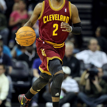 Kyrie-irving-signature-worthy-2