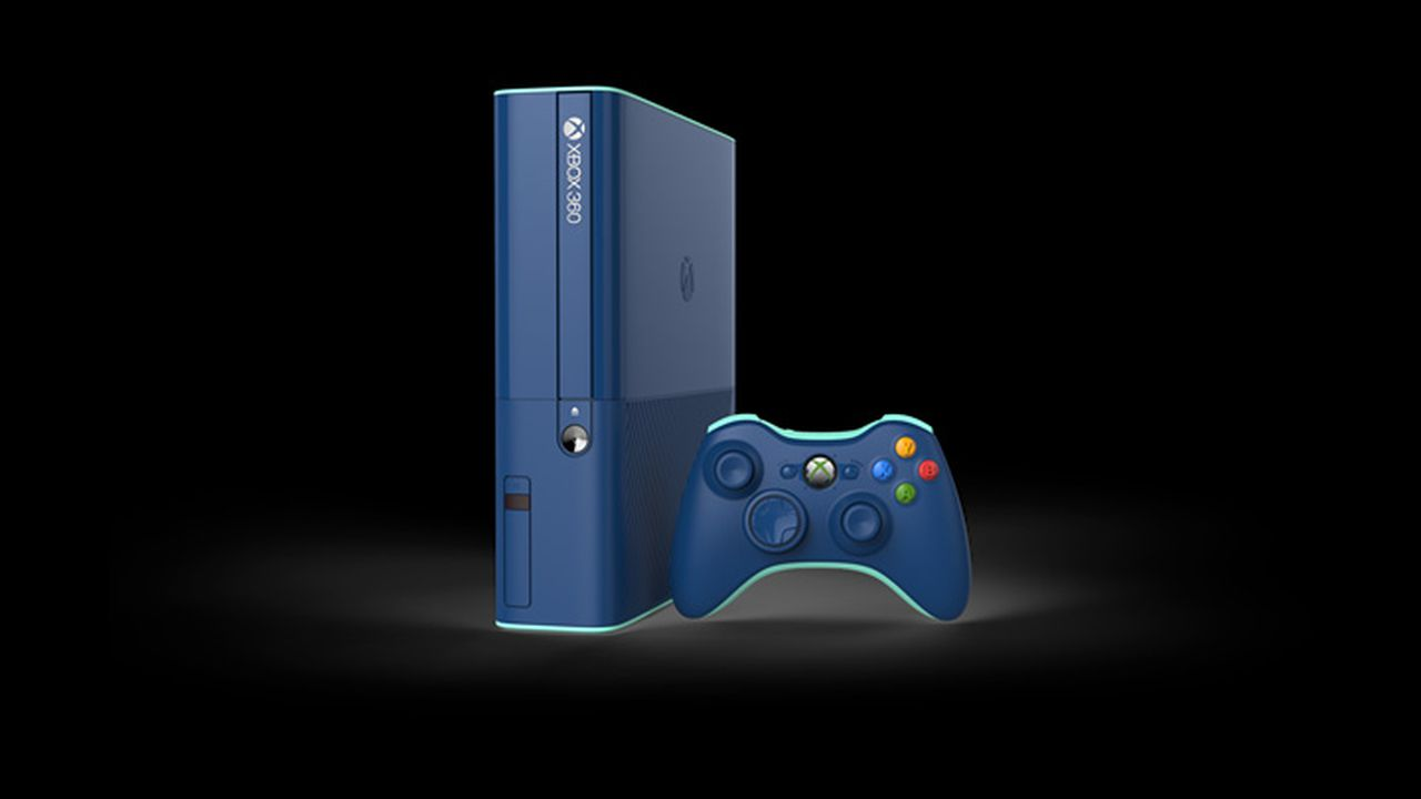 You can get this blue Xbox 360 in a Call of Duty bundle ...