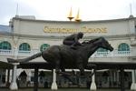 Churchill_Downs_Entrance_Barbaro_Statue.jpg