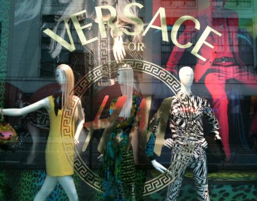 2011_11_Versace-H%26M-Window-4-1Chicago.jpg