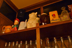 2011_lyon_pig_shelf1.jpg