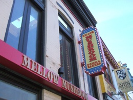 mellow-mushroom-signage-260.jpg