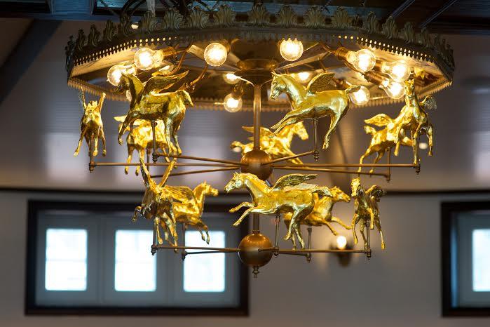 2014_tavern_on_the_green_chandelier.jpg