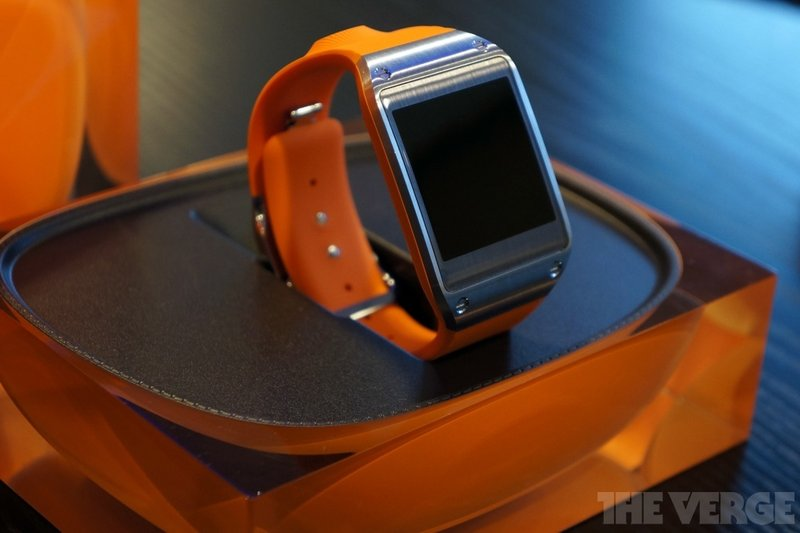 Samsung's Android Wear Watch and Google-Less Phone Coming This Year