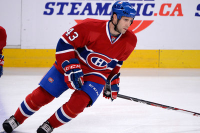 Canadiens re-sign Mike Weaver for 1 year