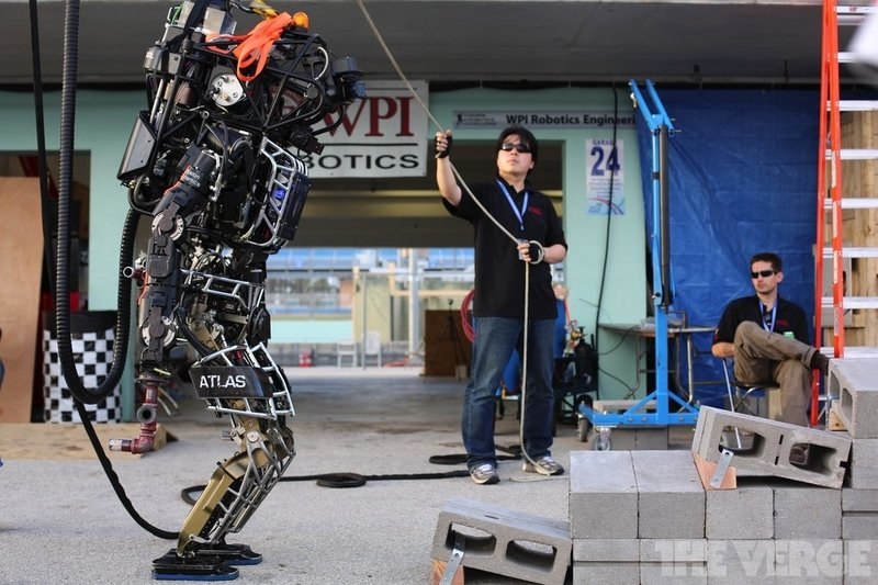 Japan's prime minister wants to host the first 'robot Olympics' in 2020