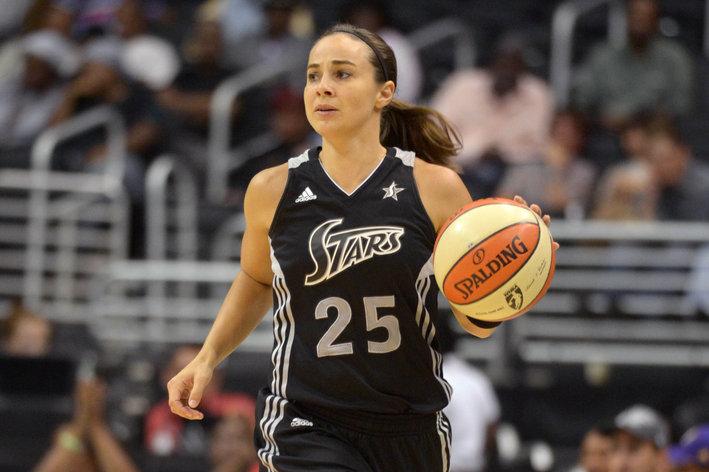 两度进入最佳阵容的女子是篮球史上最强