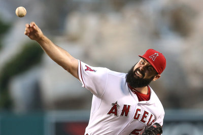 Matt Shoemaker pitches Angels back into first place, 8-2