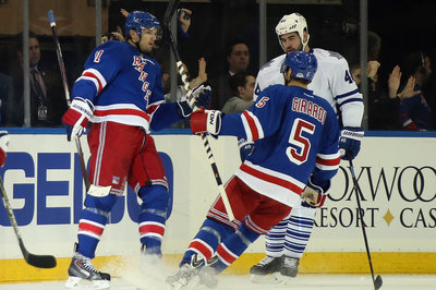 GIF: Rick Nash pushes goal streak to three games and continues his hot start