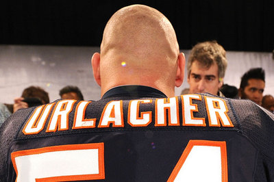 Brian Urlacher says Jay Cutler is paid like an elite QB, but he's doesn't play like one