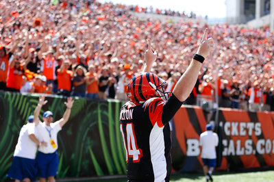 Bengals take 7-0 lead on Andy Dalton keeper
