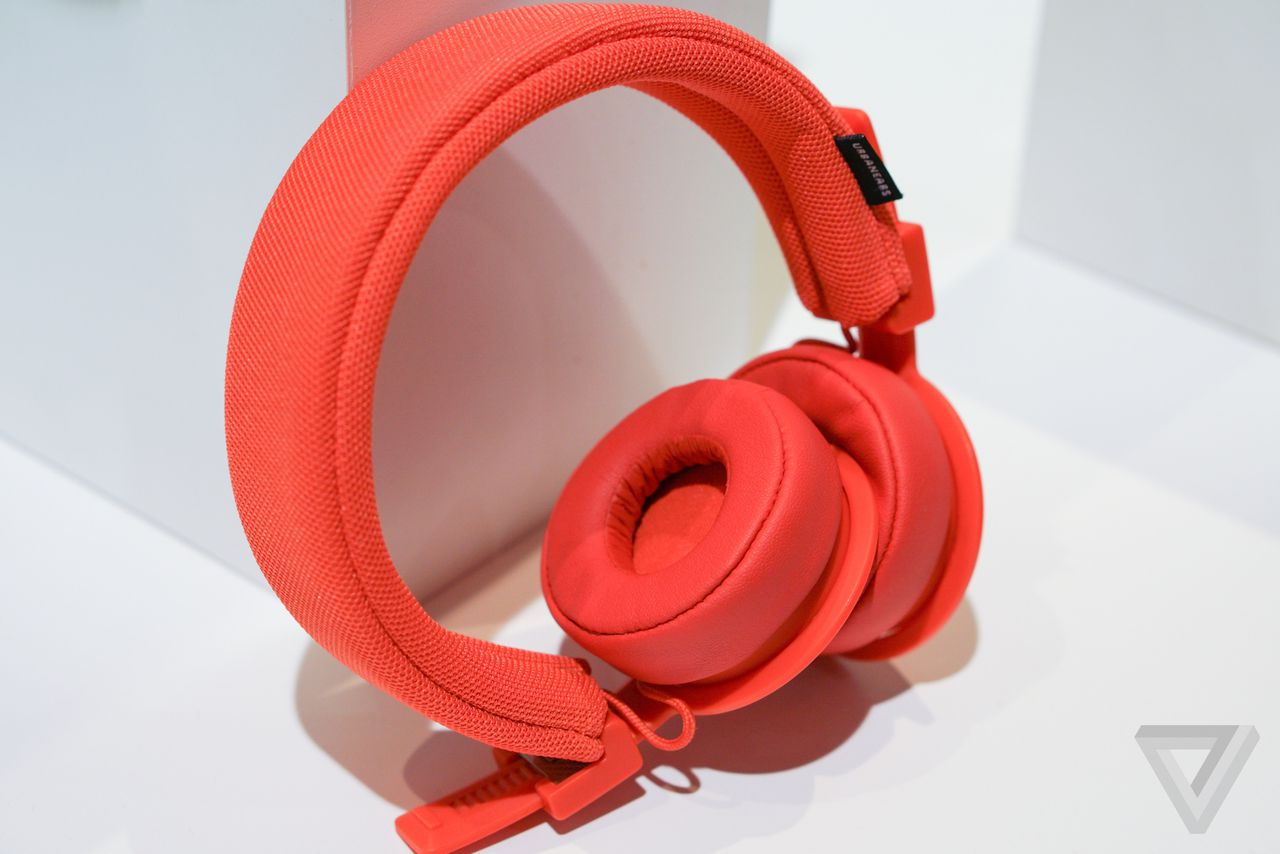 these urbanears wireless headphones ditch buttons for taps and swipes the verge. Black Bedroom Furniture Sets. Home Design Ideas