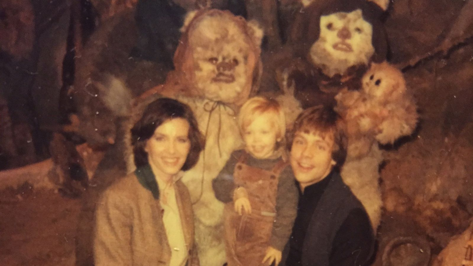 Luke Skywalker shows his family photo album from Return of the Jedi | The Verge