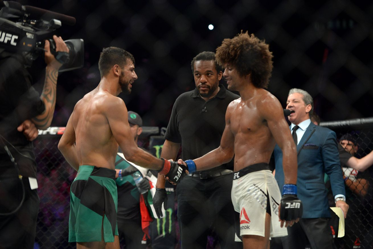 community news, UFC Fight Night 92 bonuses: Yair Rodriguez and Alex Caceres steal the show with Fight of the Night