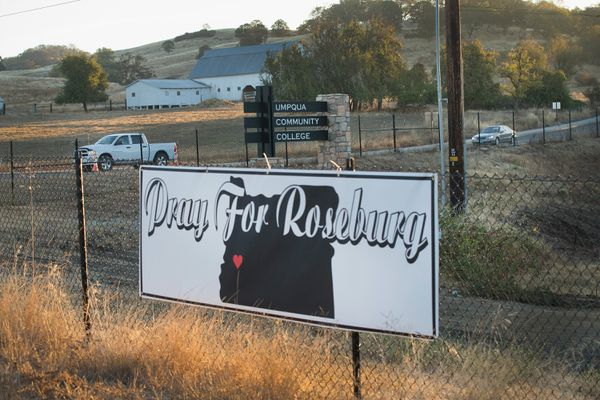 A sign on the road to Umpqua Community College