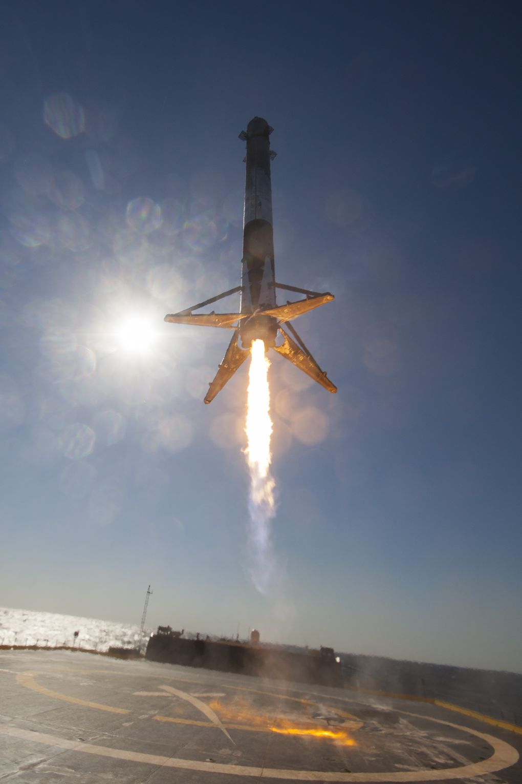 New SpaceX landing photos make you feel like the rocket is ...